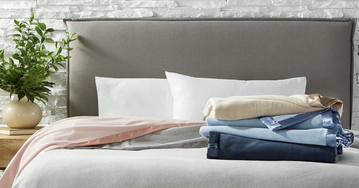 Colección de Martha Stewart Soft Fleece Blankets