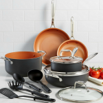 Crux 12-Piezas Copper Cookware Set solo $69.99 en Macy's