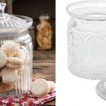 The Pioneer Woman Glass Cookie Jar solo $10.88 (Reg $18) en Walmart.com