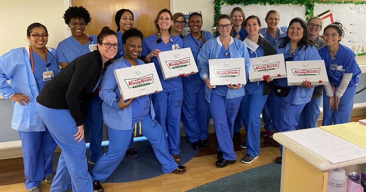 Docena de Donas GRATIS para Trabajadores Médicos