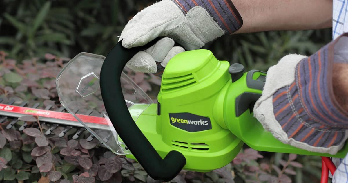 Greenworks Hedge Trimmer a solo $27.99 en Walmart.com (Reg. $47)