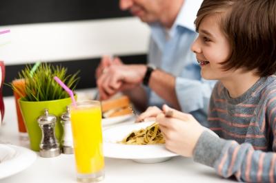 ID-100208333 Conoces las 5 formas de ahorrar en un Restaurante?